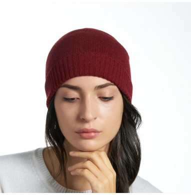 Knitted hat LIFE red wine...